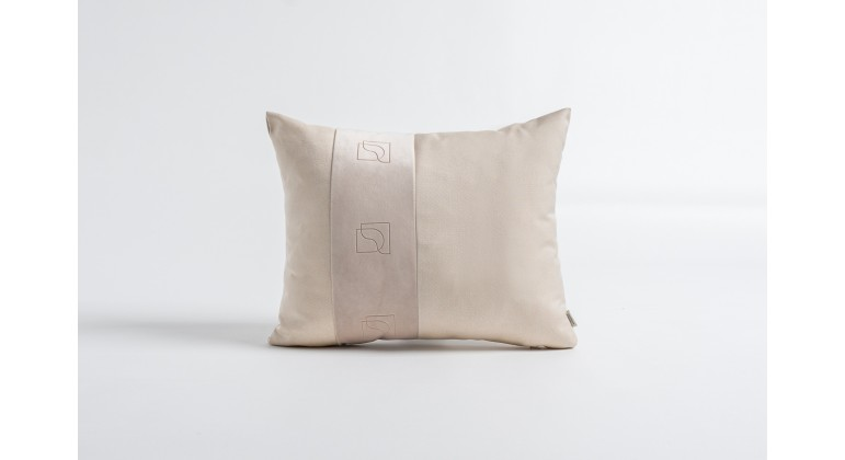 Cream 50x40 cm